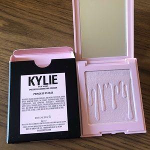 Kylie illuminating powder